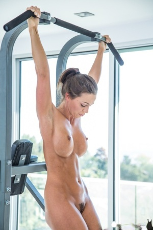 Fitness Babe Tits